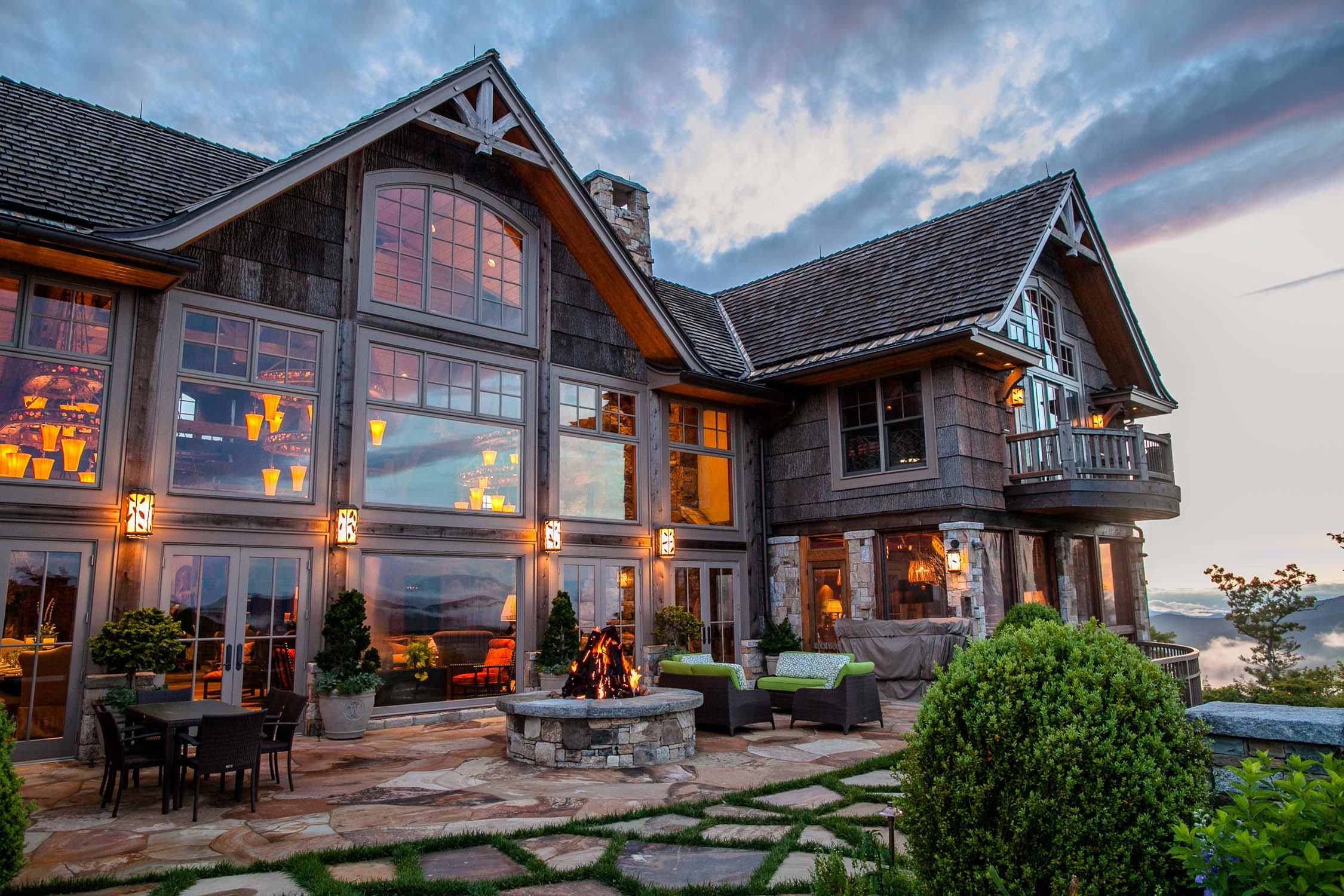 Back-of-Rockwood-Lodge-Highlands-North-Carolina-Erik-Meadows