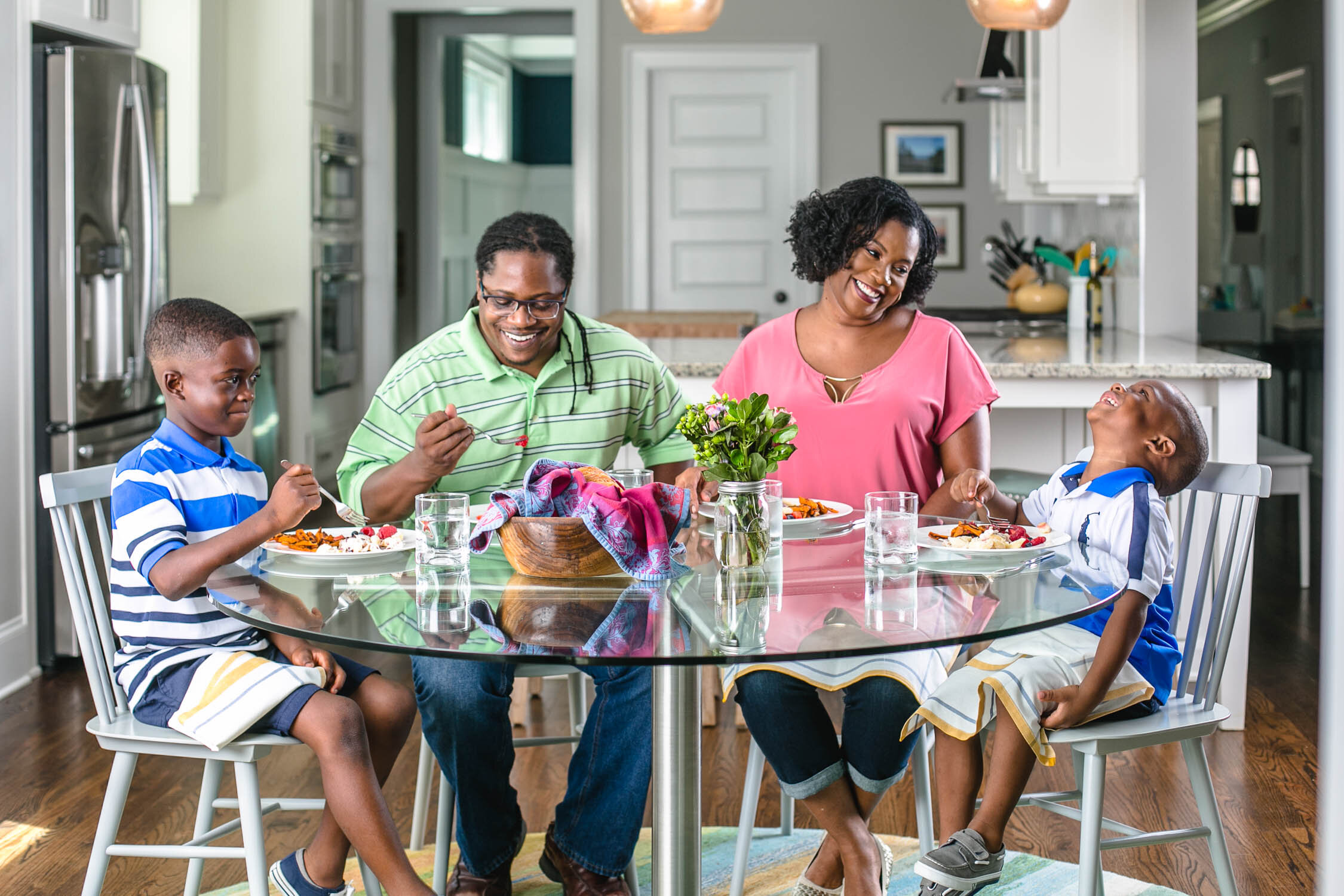 African-American-Family-eats-at-Kitchen-Table-Erik-Meadows