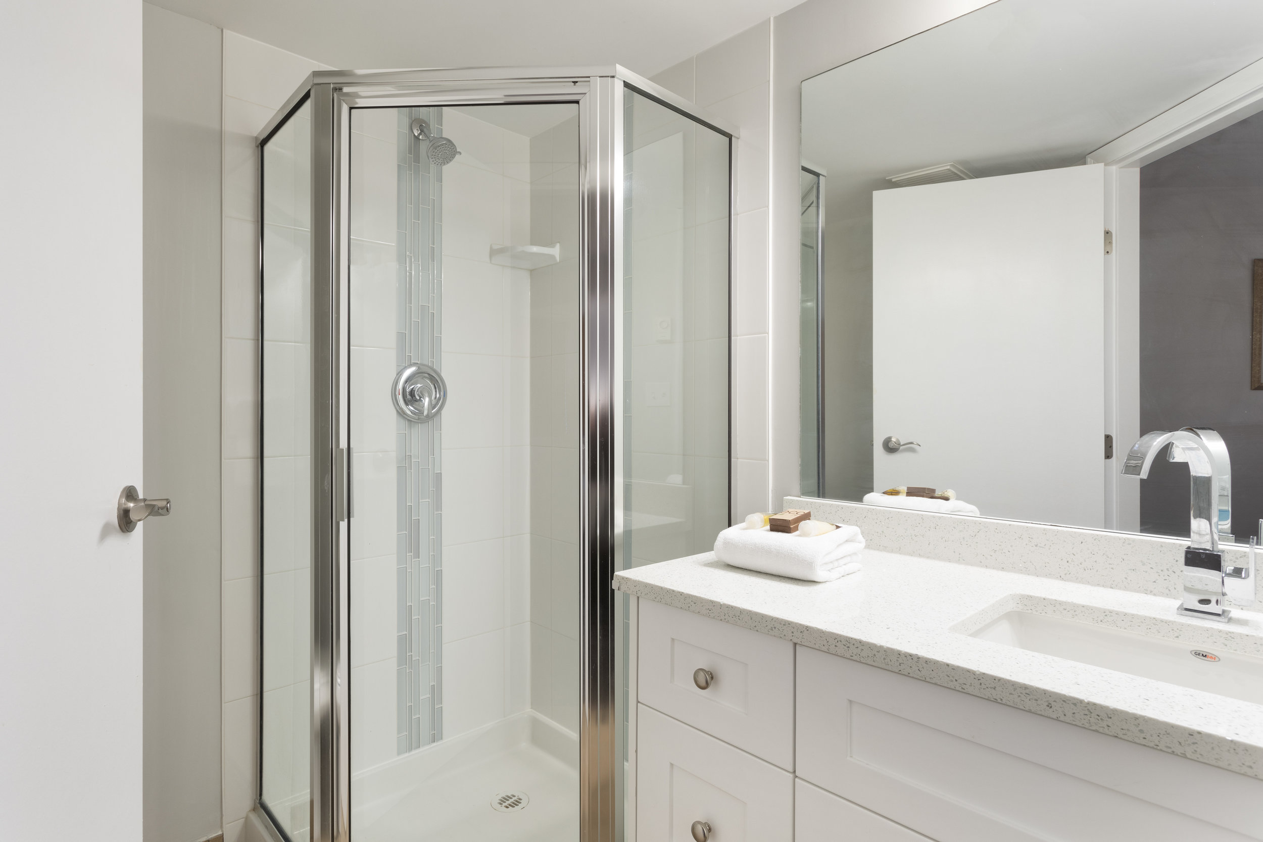 M248 Bath 2.jpg