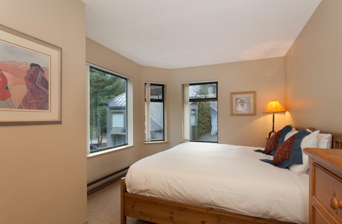 G17-Bedroom2.jpg