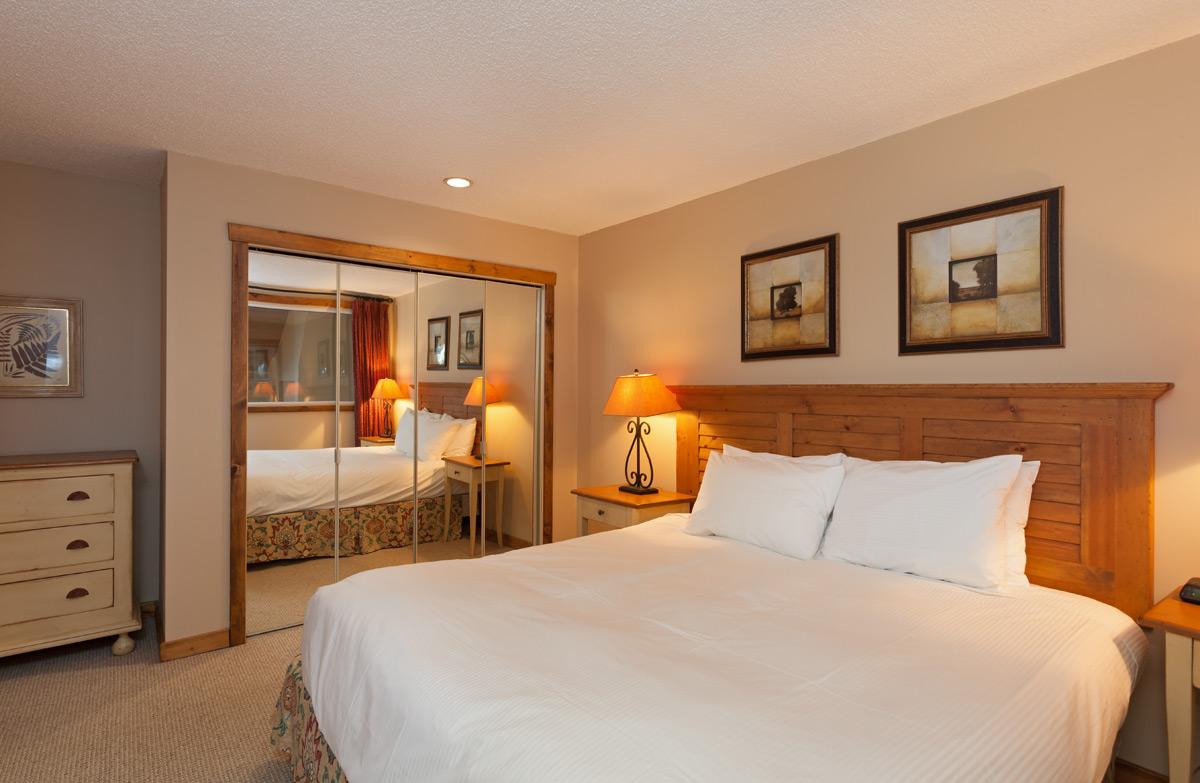 G11-Bedroom-1.jpg