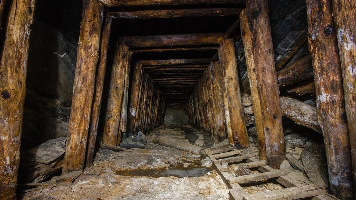 Old+underground+mine.jpg