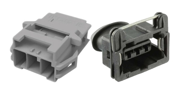 These are two polarized three-position female connectors from two different product lines.