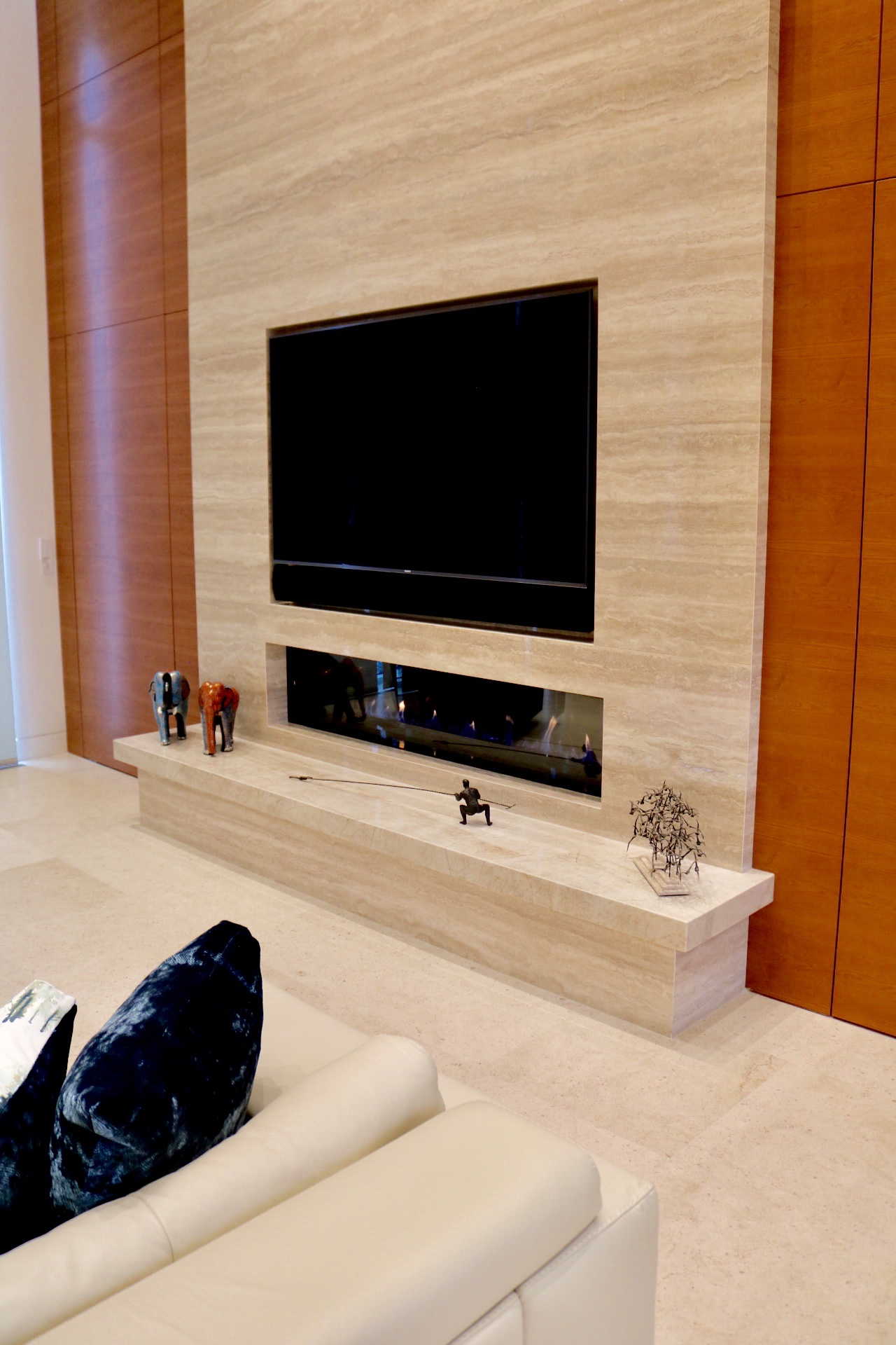 Metroworks Group Whistler Fireplace #2 1.JPG