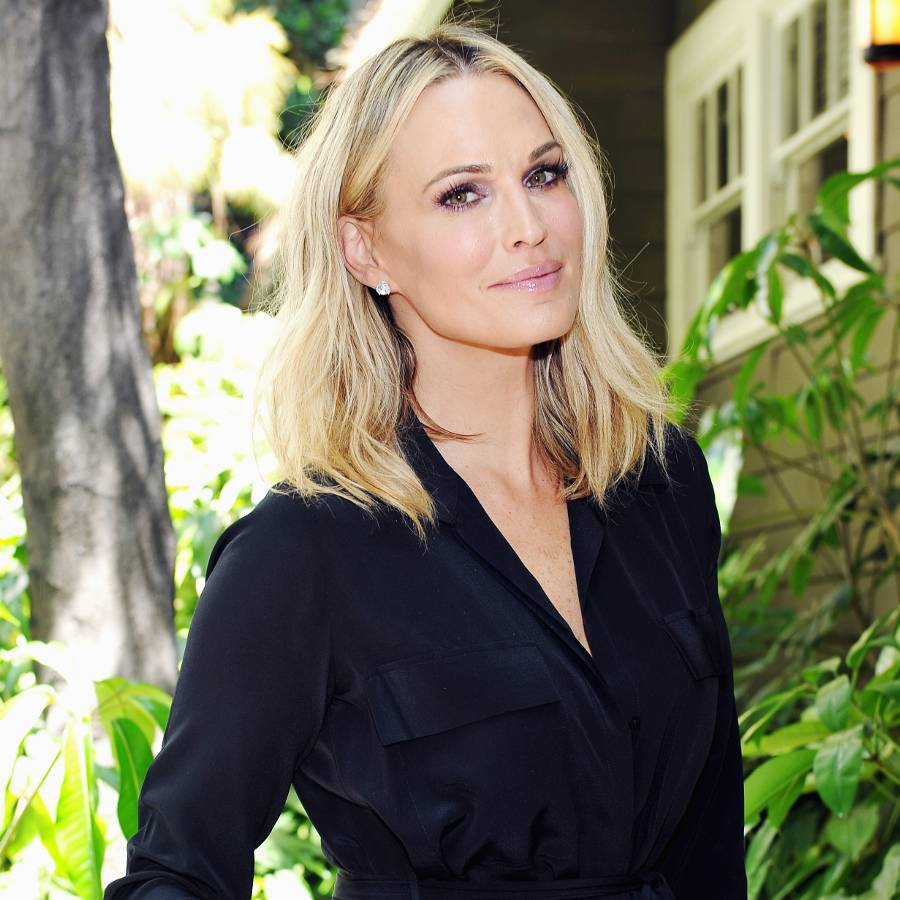 Exclusive: 6 Essentials Supermodel Molly Sims Won't Board a Plane Without    | MyDomaine