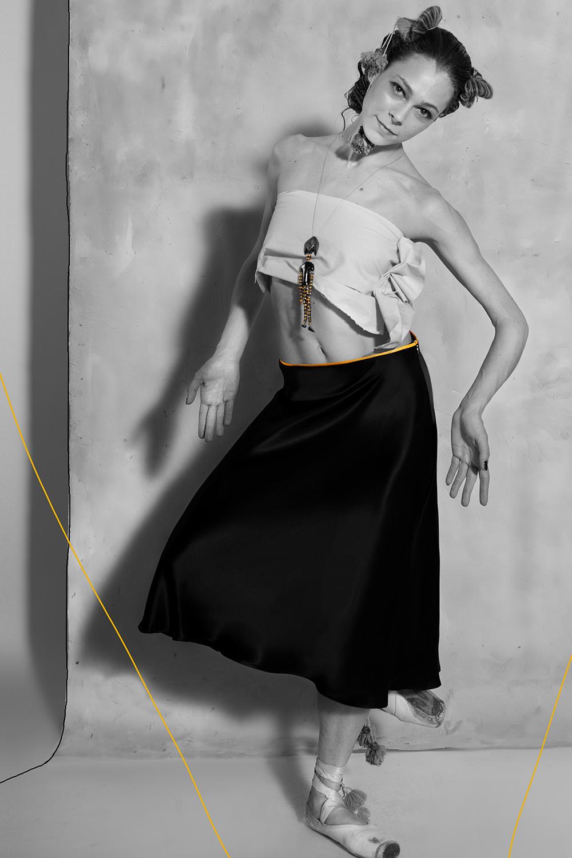 www.ruxandra-shop.com silk Biased Skirt  black  front view bw.jpg