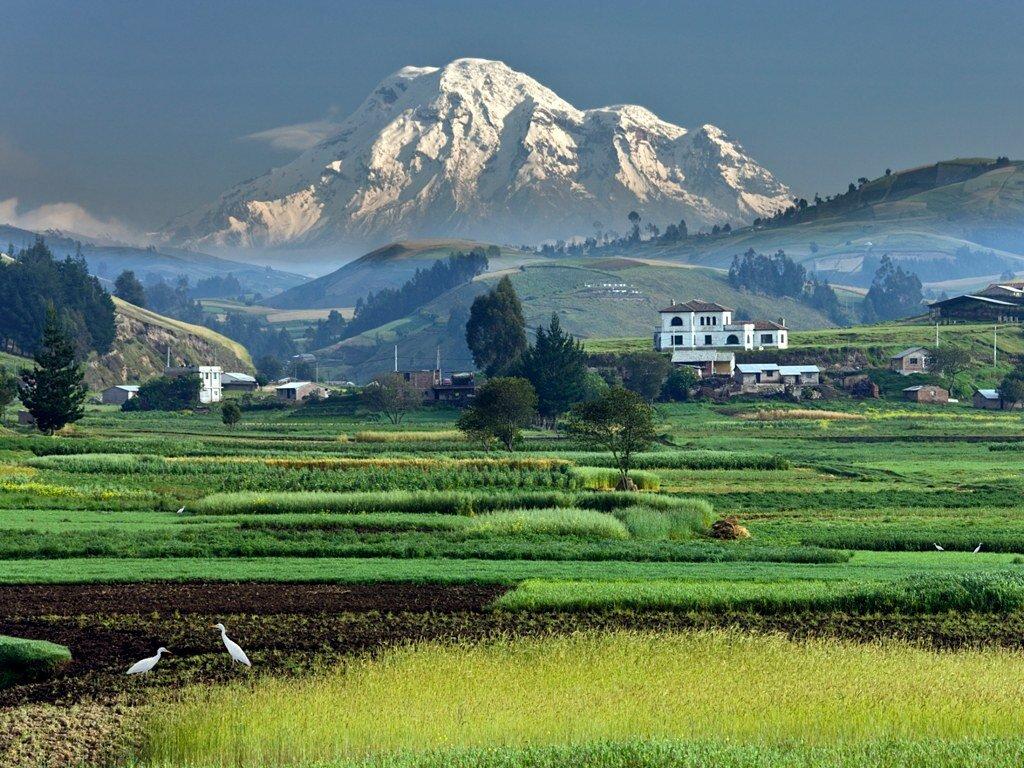mount-chimborizo-ecuador-equator-tallest-mountain.jpg