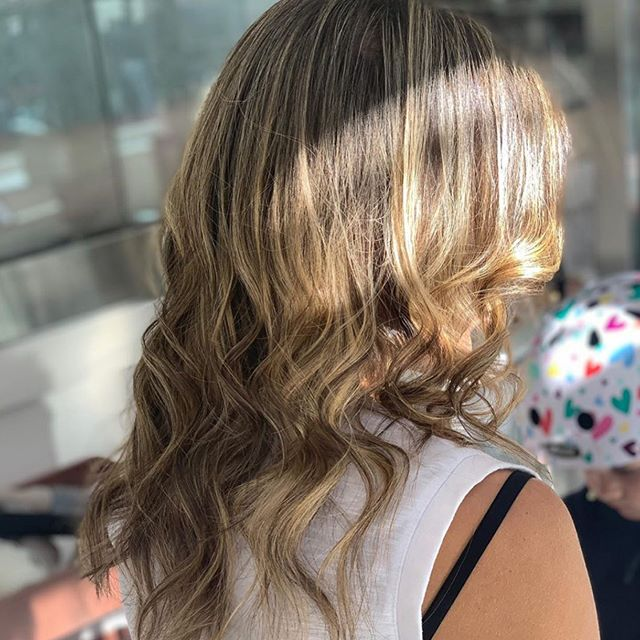 """This client's beach waves are keeping summer alive for us! Get yours with PrimpNYC's experienced stylists - click the """"book"""" button to make an appointment!! . . . #iheartprimp #primpnyc #primp #salon #hair #makeup #blowout #blowdry #beauty #wellness #pretty #ifeelpretty #beautiful #gorgeous #girls #women #ladies #feelgood #lookgood #fidi #seaportdistrict #nyc #newyork #lowermanhattan #downtown #style #treatyourself #inspire #inspiration"""