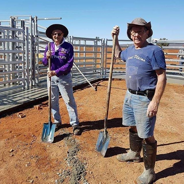 SchoolAid's 'Hay and Hampers for Hope' drought campaign has raised more than $160,000 for drought-affected areas in Queensland and New South Wales.  #schoolaid #socialactionteam #famersqld #famersnsw #drought #helpthefarmers #hayandhampersforhope #crowdfunding #pozible #empoweringyouth #sats #youngphilanthropists