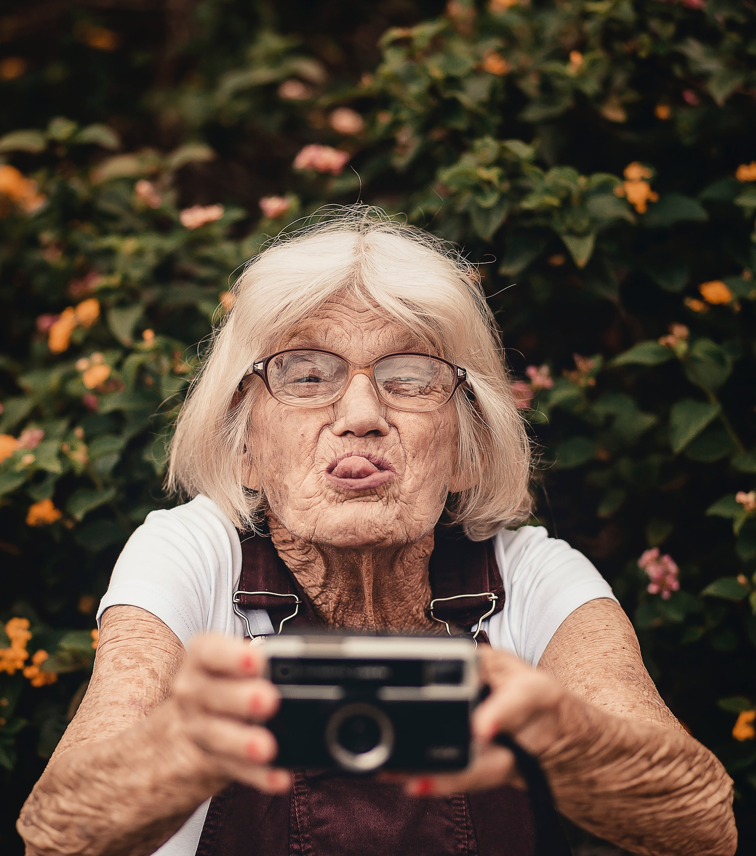 camera-close-up-elder-2050979.jpg