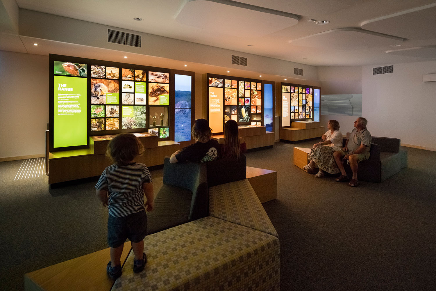 Ningaloo Centre. All components are integrated according to a defined thematic structure of related content. This generates an experience which is educational and playful, catering to a wide range of audiences.