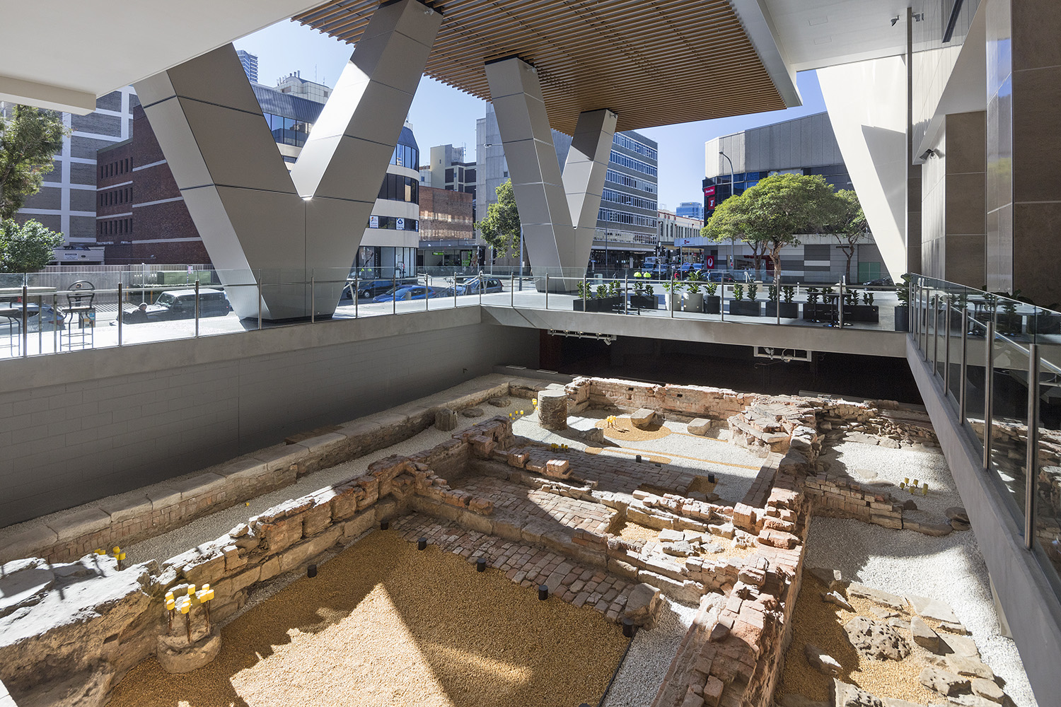 During excavations for the V by Crown development, the remains of early European convict settlements were discovered. Archaeological analysis revealed these huts to have been established during the first wave of European settlement in Australia.