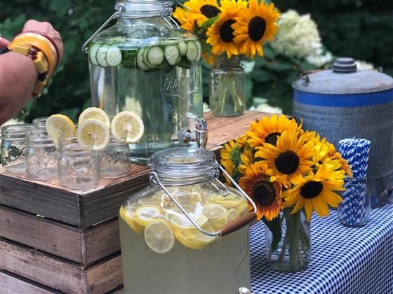 drink_jars_4faad0828f2633a058a926cff085db5a.fit-560w.jpg