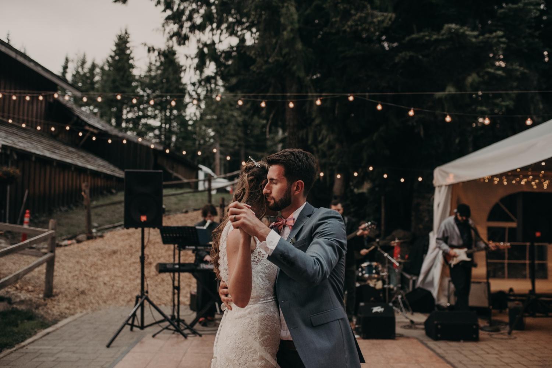 Olivia_Kyle_Mt_Hood_Wedding_0323.jpg