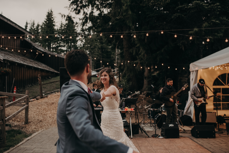 Olivia_Kyle_Mt_Hood_Wedding_0325.jpg