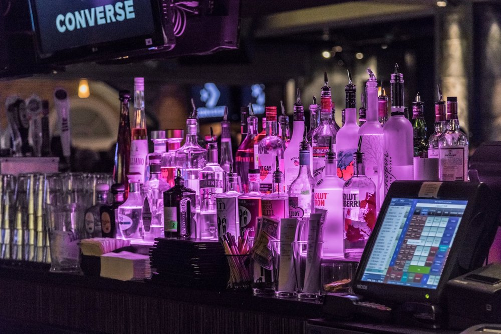 bar scene captured by events photographer in Nashville Tennesse