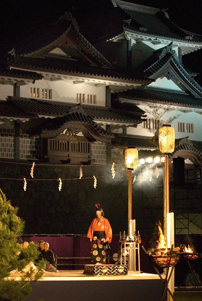 10-04 Bonfire Noh performance at Hyakumangoku Festival.jpg