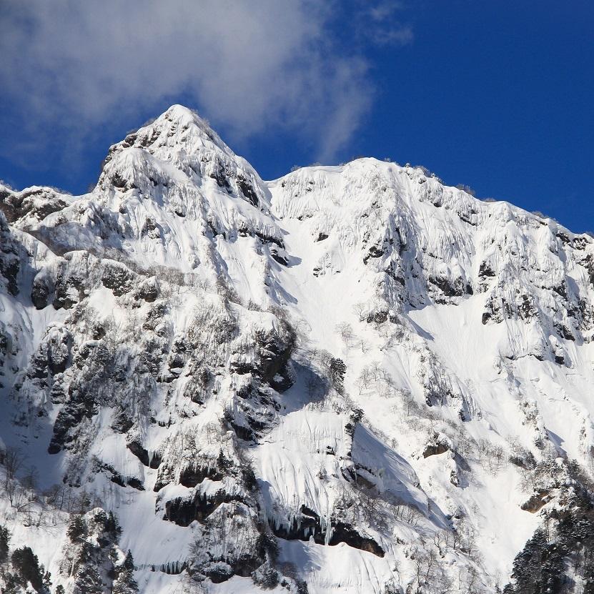 Japan-winter-mountains