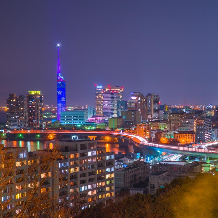 fukuoka-Night_view_in_Fukuoka-s.jpg