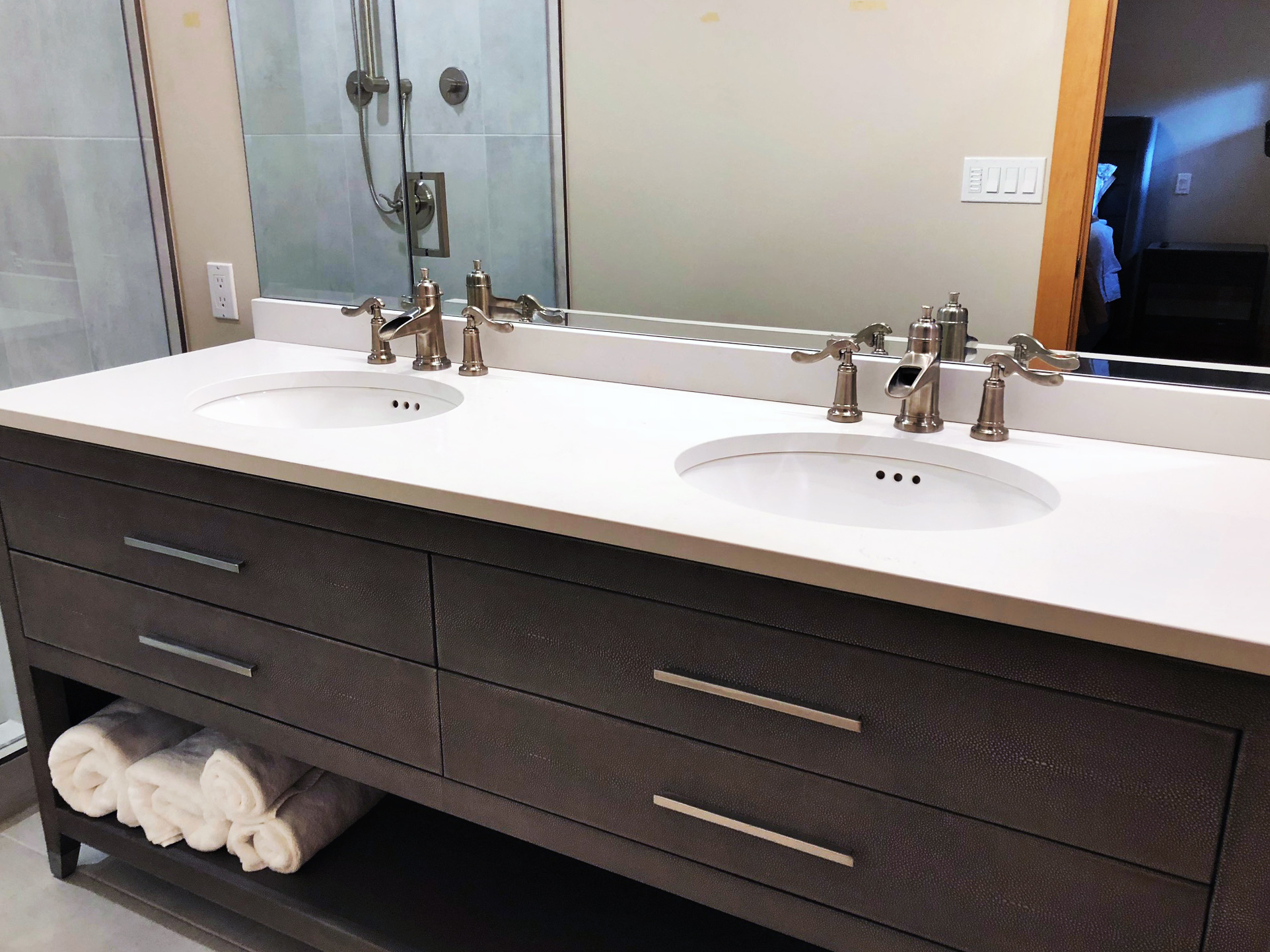 CUSTOM HOMES & RENOVATIONS - We have been performing renovations in Banff, Canmore and the Bow Valley since 1985. We would be glad to discuss your project and offer a free estimate.