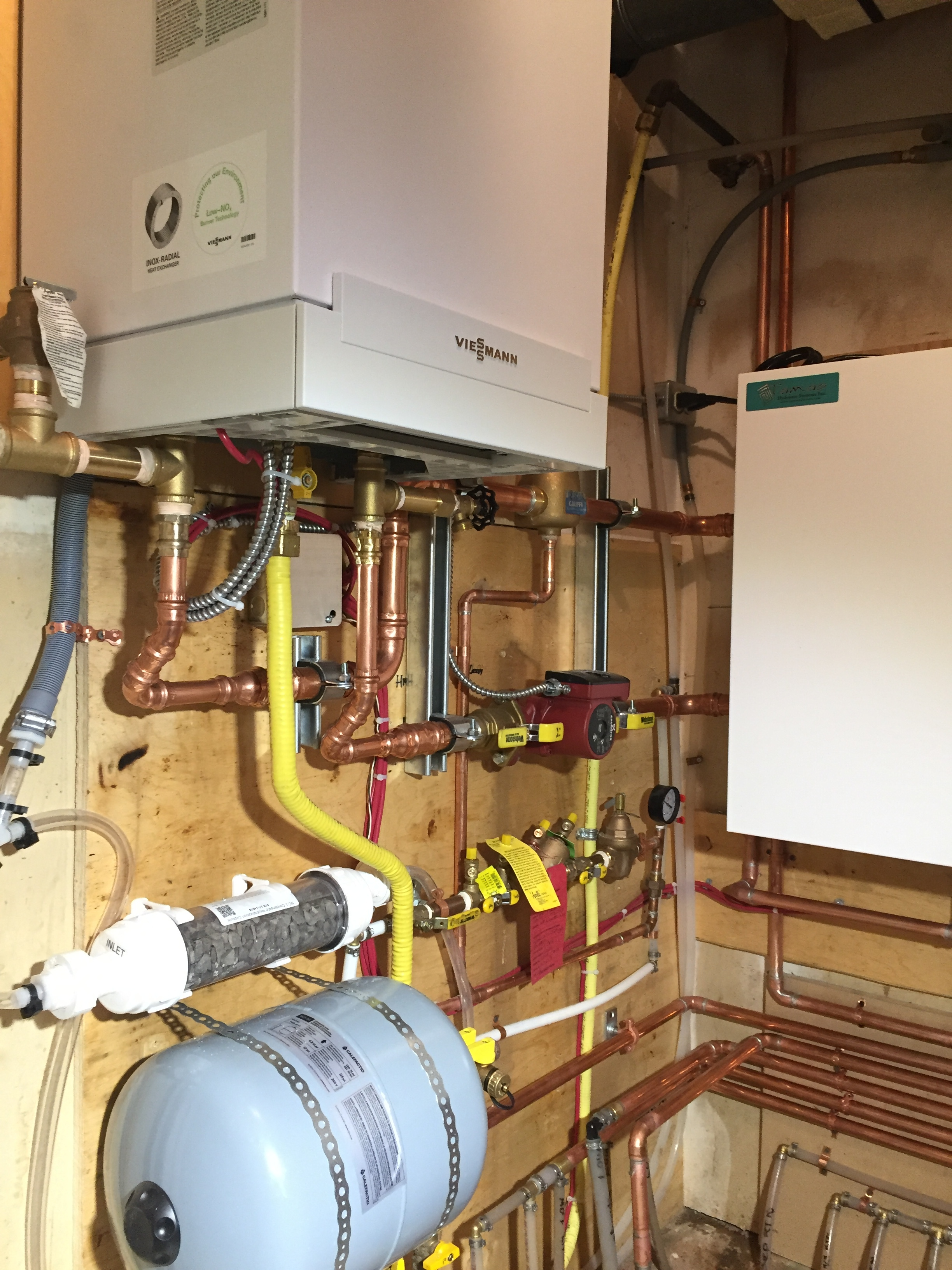 Hydronic Heating System 2b in-floor heating and hot water) (1).jpg