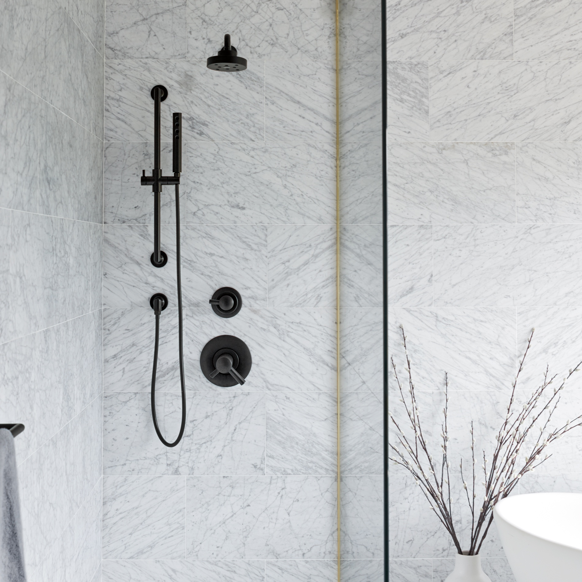 SHOWER SYSTEMS - - Thermo-controls, pressure balance, expose