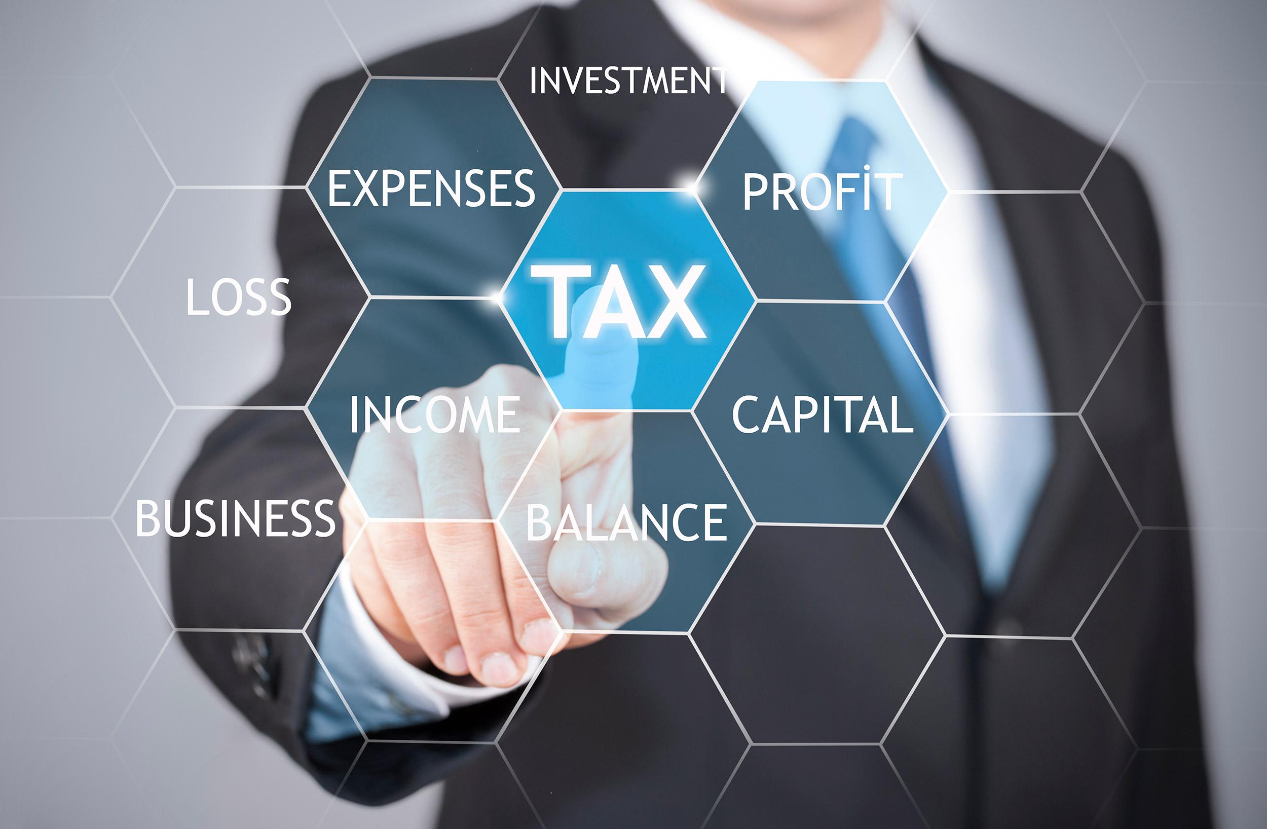 Australian expats doing his analysis on his tax return