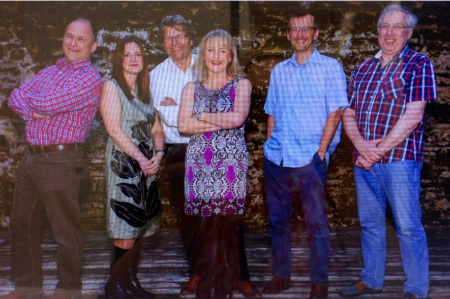 SanRemo Band - SanRemo is a group of talented and experienced musicians with a very large remit of songs which when they come together make great music. Clive, Bob, Gemma, David, Karen and Wayne love music and are such a fun band to listen and watch.