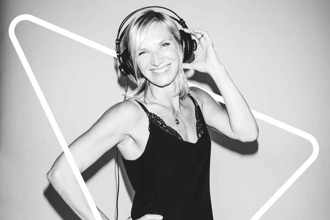 Jo Whiley - Hey girl, hey boy, Superstar DJ… Here we go!The greatest moments of the 1990s from one the nation's best-known DJs…Jo Whiley is bringing the best of the decade to Ampthill this July.Arguably one of the most recognisable voices in broadcasting, Jo Whiley will be filling AmpRocks main stage on Friday 5th July with her 90s Anthems. Think Blur vs Oasis, Fatboy Slim, Primal Scream, The Verve, The Chemical Brothers, Faithless, The Prodigy and a whole lot more!
