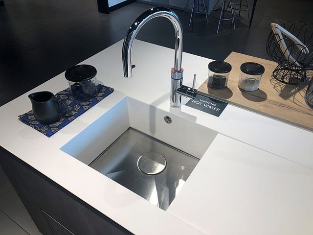 This lovely display in the Warrington branch of @mobalpa uses #Tristone Pure White and an #Axix 450 sink from @the1810company. Check out our display network by going to our website!  #Showroom #Tristone #SolidSurface #YourTristoneCreation #BathroomDesign #KitchenDesign #CommercialDesign #BespokeDesign