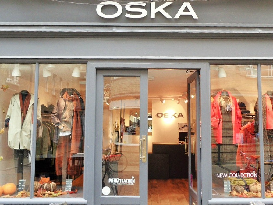 OSKA - Free style coaching experience and gift on purchase, plus a glass of Champagne
