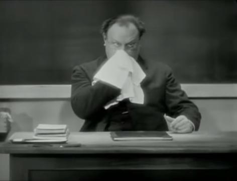 The Blue Angel (1930) 8-42 screenshot.png