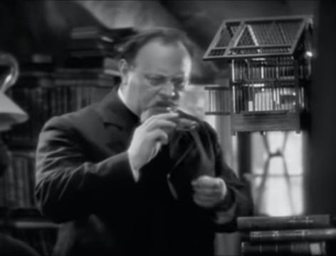 The Blue Angel (1930) 5-1 screenshot.png