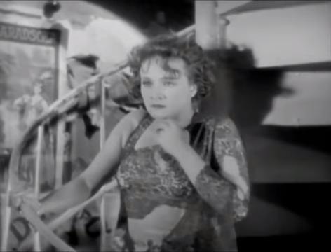 The Blue Angel (1930) 1-32-53 screenshot.png