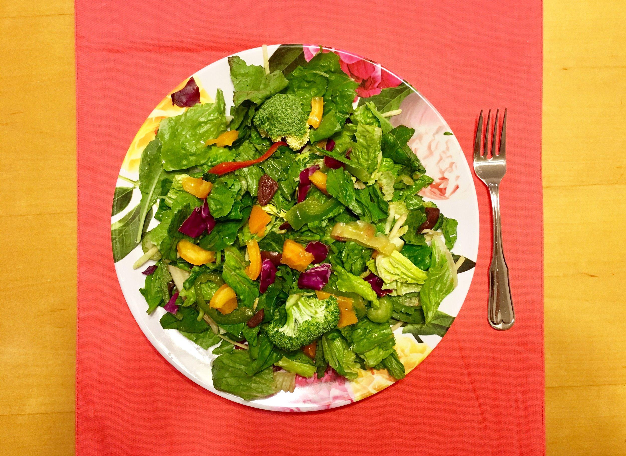 holistichealthbyholly_salad.jpeg