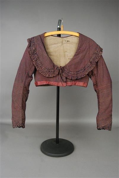 From SKD online collection Staatliche Kinstammlungen Dresden Item B664 - Spencer: ca. early 1800's, cotton, linen, silk. unusual collar