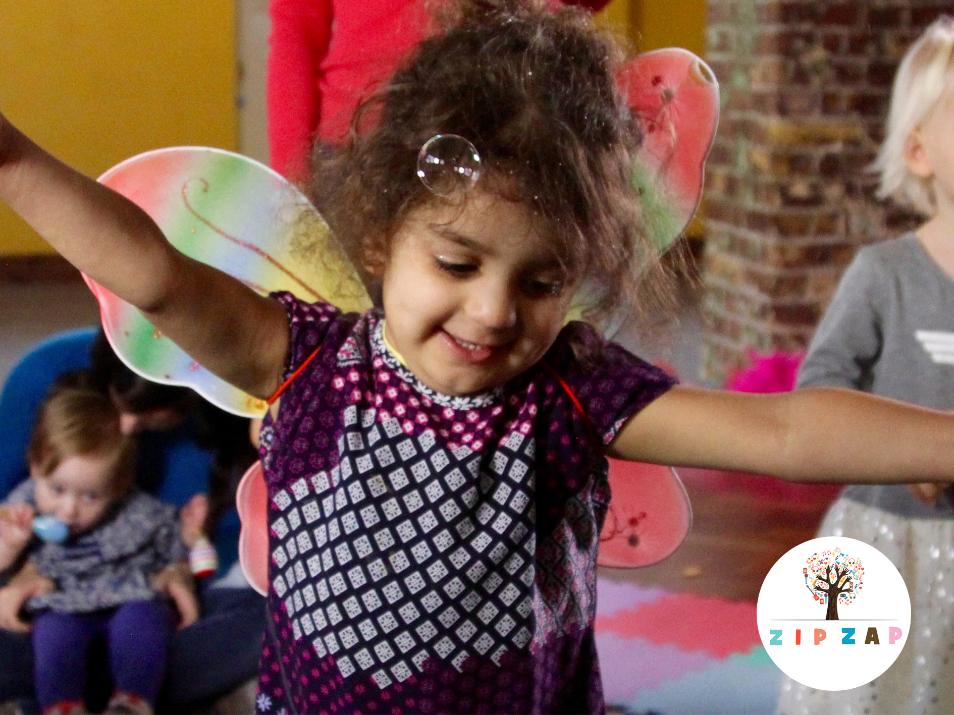 ZipZap  provide weekly drama, music and sensory classes in North London for children under 5, and make use of the flexibility of single session prices for over twenty weekly classes.