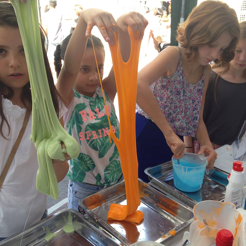 Kids With Brains and OoberKidsRepublic  provide hands-on, fun science, crafts and finance workshops over the holidays. Workshops are available to purchase as a single day or five days, and they also offer early drop-offs, late-pickups and sibling pricing!