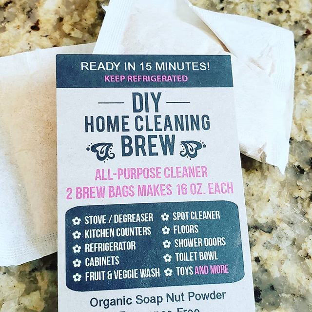My latest blog post is about reducing plastic (& toxins) in your cleaning supplies. It's easy to start with things you probably already have- vinegar & baking soda. I also am loving @shecology soap nuts. Check out the post to see my favorite ways of using them as well as their newest product- cleaning brew.  #plasticfreejuly #diycleaningproducts #toxicfreehome #sustainablyjennifer #soapnuts #lesswaste #zerowaste #cleancleaning