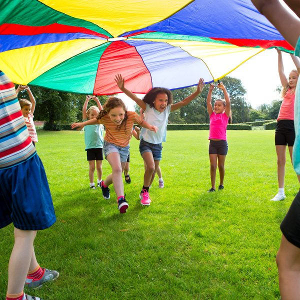 kids-playing-with-parachute-600x600.jpg