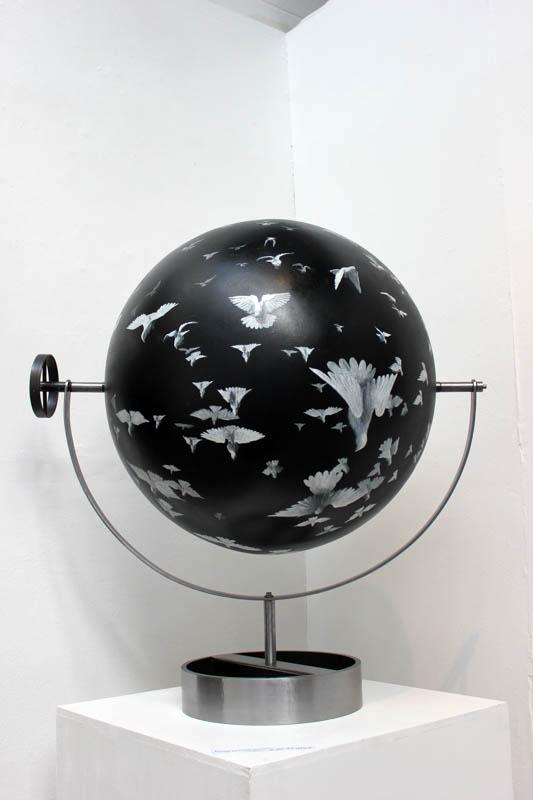 Flock II - Acrylic on sphere - 60cm diameter - steel armateur