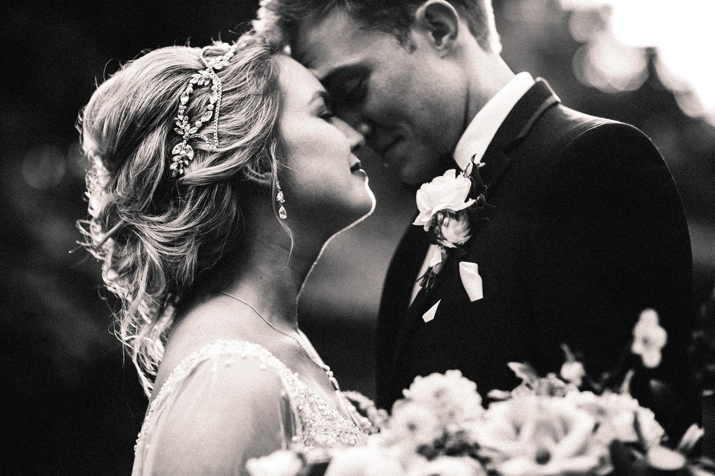 Cincinnati+wedding+photographer-50.jpeg