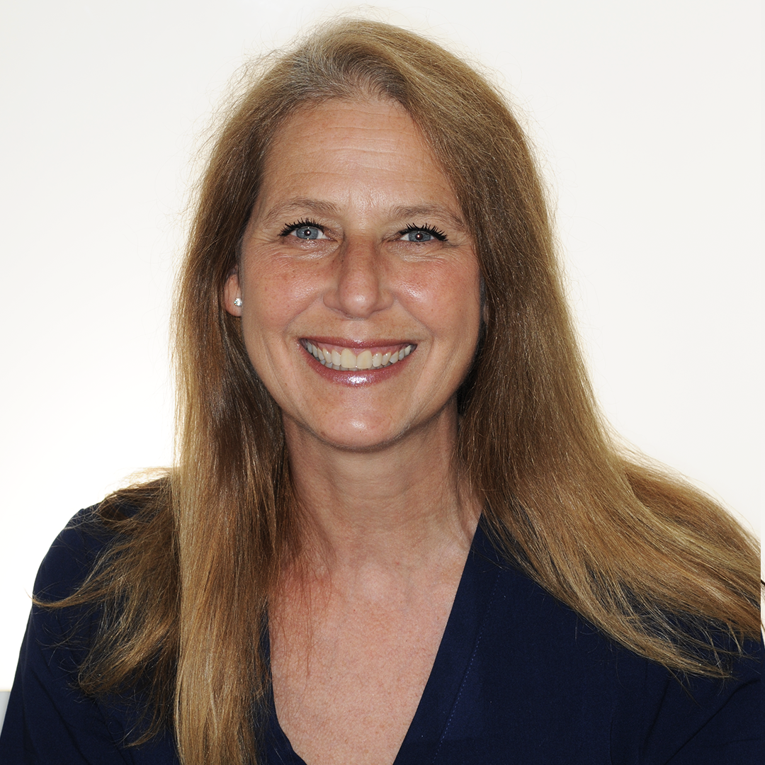 Cindy, RDH – Clinician - Cindy is a real New Yorker and grew up in Stuytown. When she was fourteen, she knew she wanted to become a dental hygienist. Fun fact: She has been working for Dr. Lemchen since she was 21.