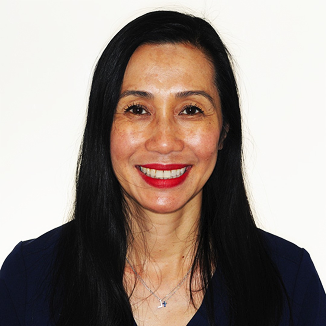 Lisa, RDH – Clinician - Lisa is originally from Vancouver, Canada. She is an honors graduate from New York University. Lisa worked at a private practice in Toronto cleaning teeth and has been working at Dr. Lemchen's office for almost 25 years. Fun fact: Lisa enjoys running traveling, and is a HUGE foodie!