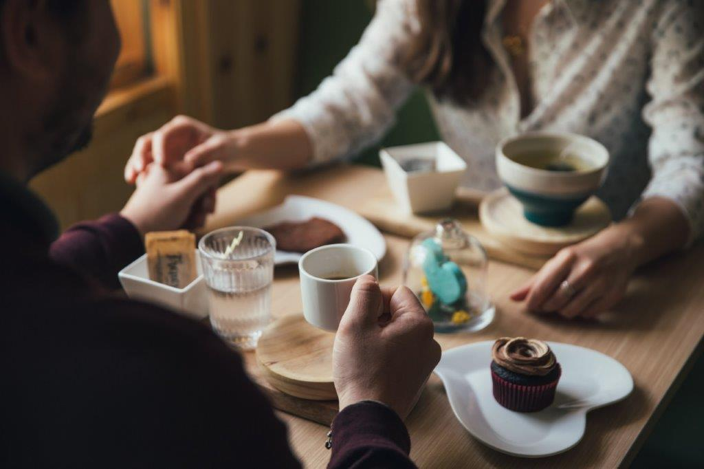 couple-on-coffee-date_4460x4460.jpg
