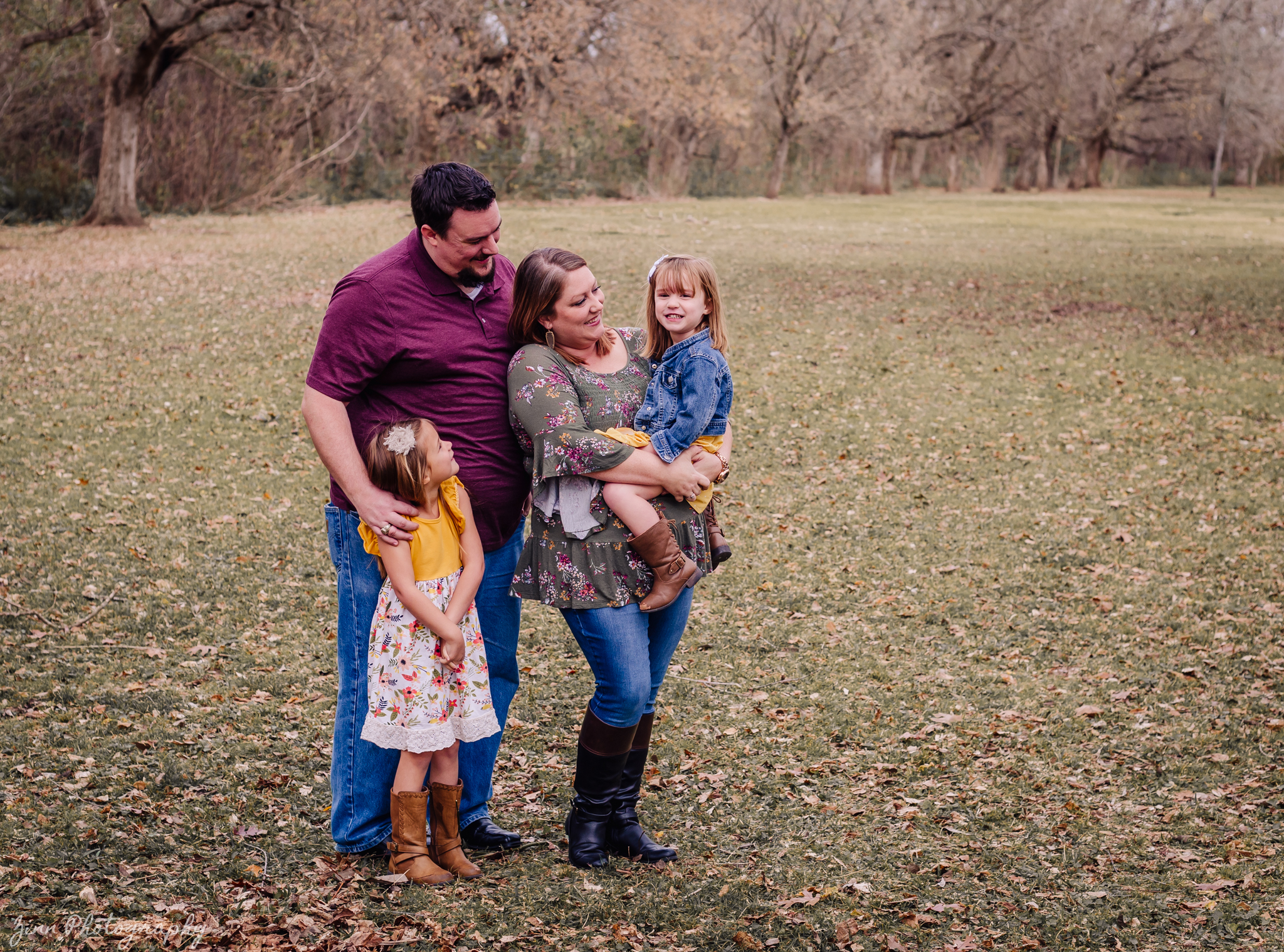 Sugarland Family Session In December -_-7.jpg