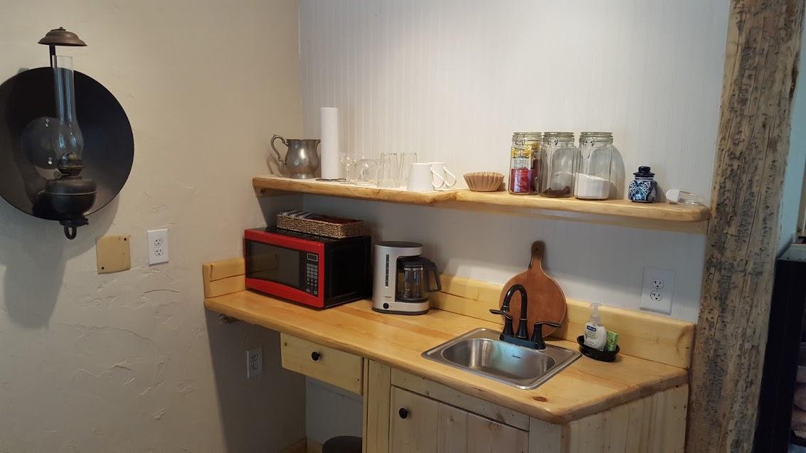 creekside kitchen.jpg