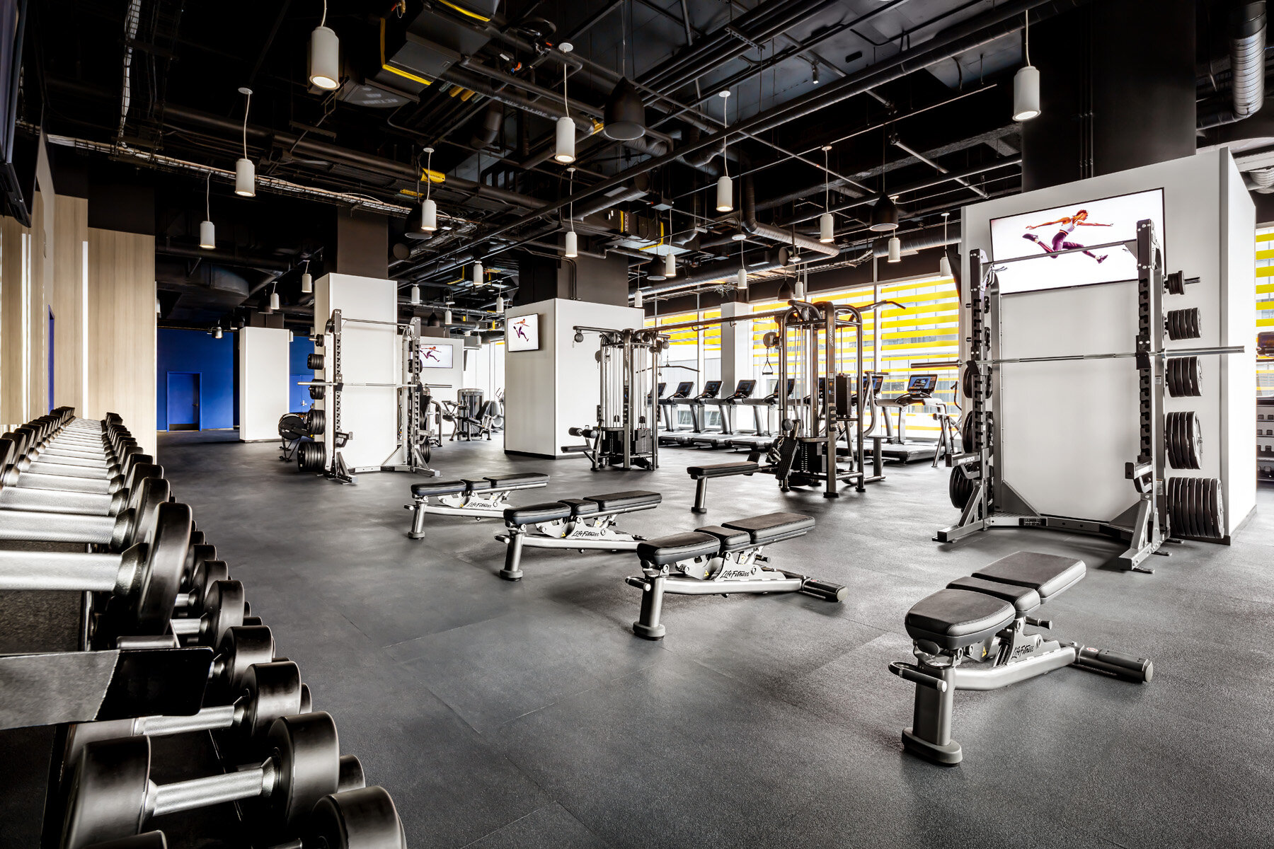 OPTIMIZE yOUR TRAINING - We've designed a modern, functional space where you can sweat, recoup and refuel in one place. We make it easy for you to go from work to working out to going out.