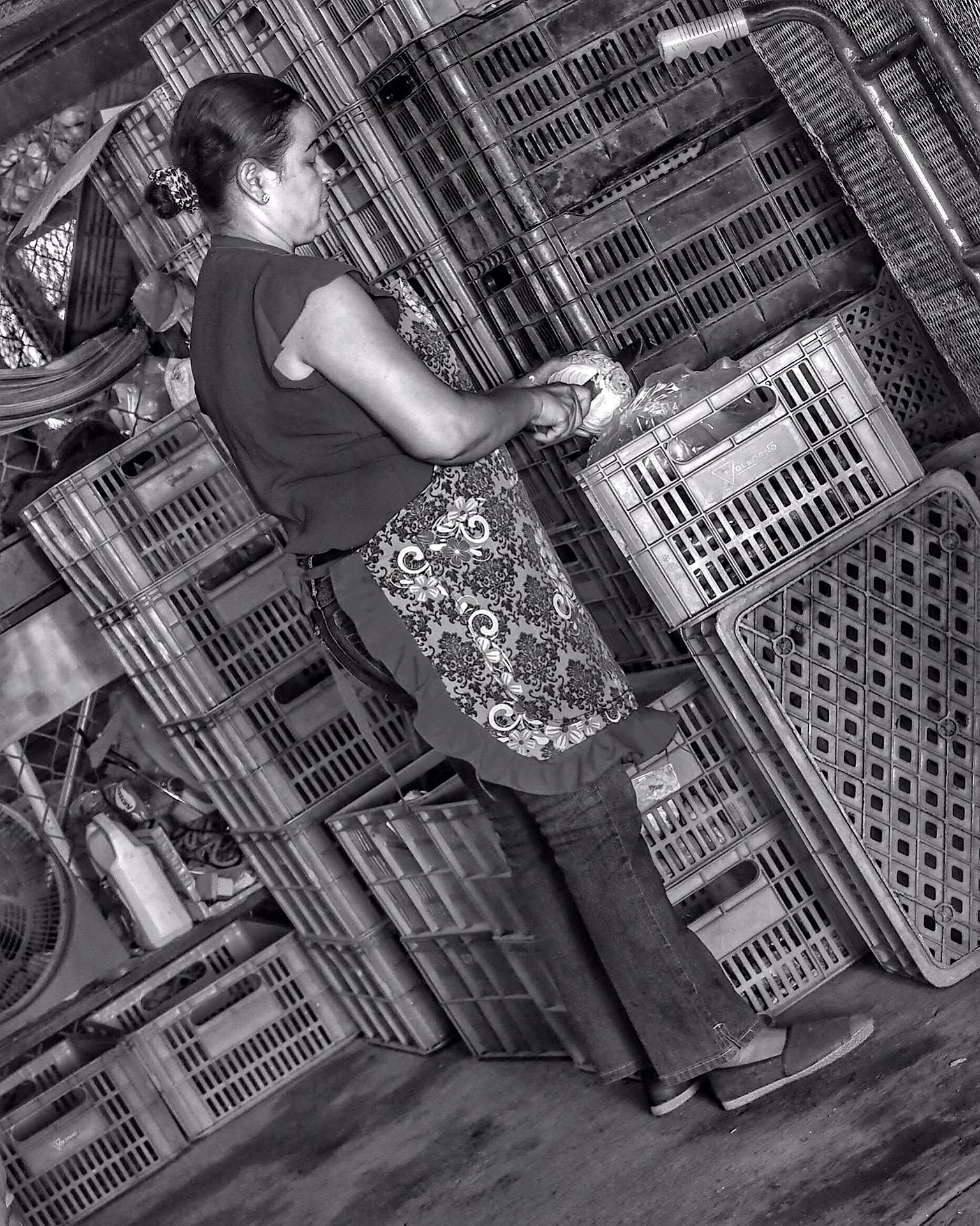 Woman market Chorrera.JPG