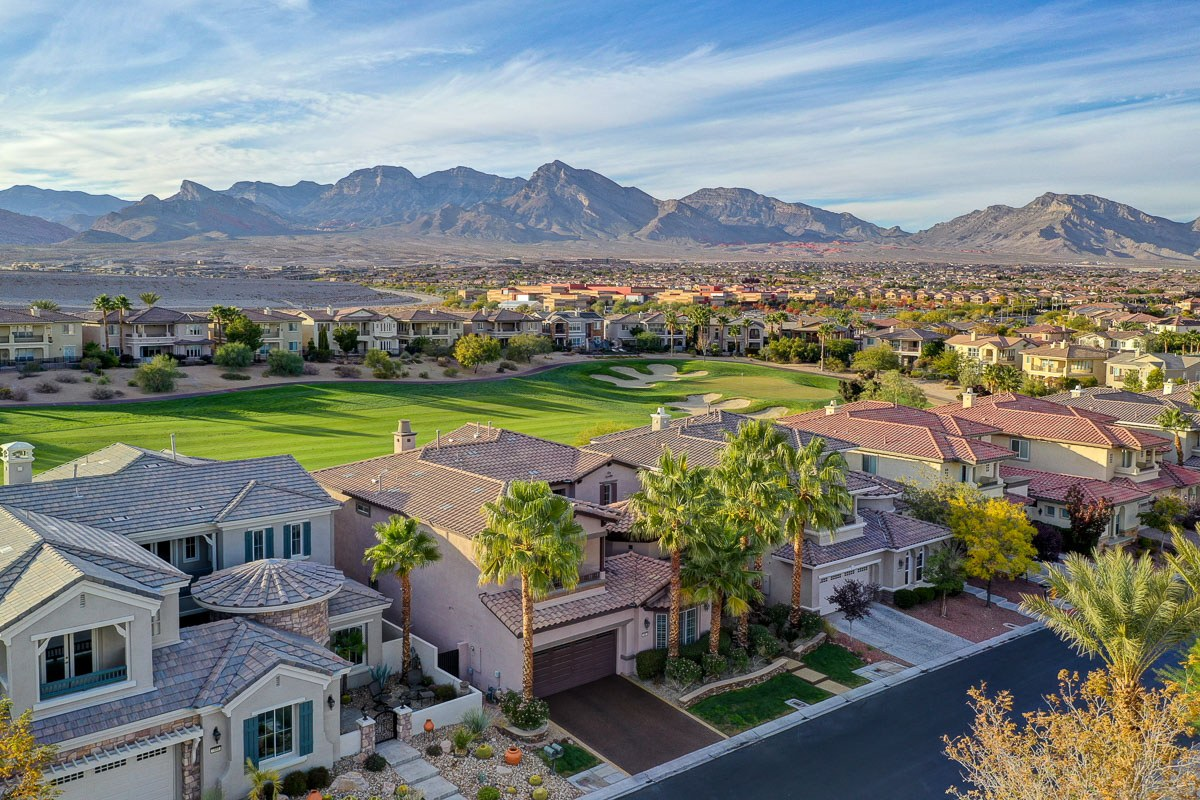 HELPING YOU BUY OR SELL - Moapa Valley | Las Vegas | Henderson | LOgandale | summerlin